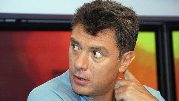 Штаб Немцова настаивает на законности задержанных милицией листовок