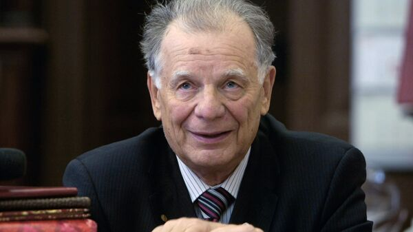 Нобелевский лауреат Жорес Алферов