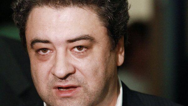 Бизнесмен Андрей Богданов в Центре международной торговли в Москве отвечает на вопросы журналистов перед началом альтернативного съезда партии Правое дело