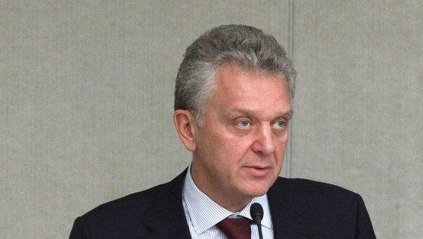 Министр промышленности и торговли Виктор Христенко. Архив