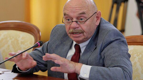 Член Общественной палаты, педагог Ефим Рачевский на заседании комиссии по нацпроектам и демографии