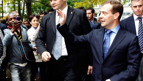 Посещение Д. Медведевым студенческого городка РУДН