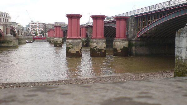 Мост Блэкфрайарз в Лондоне