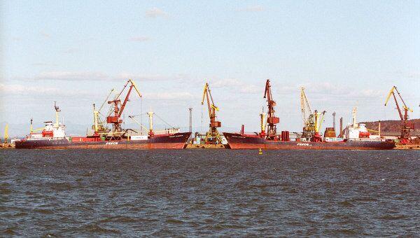 В морском торговом порту Корсакова, архивное фото