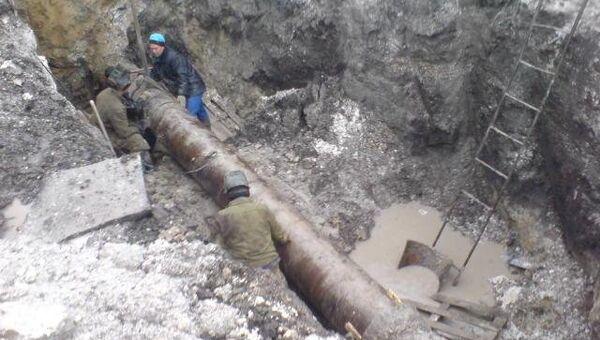 Порыв водопровода, архивное фото