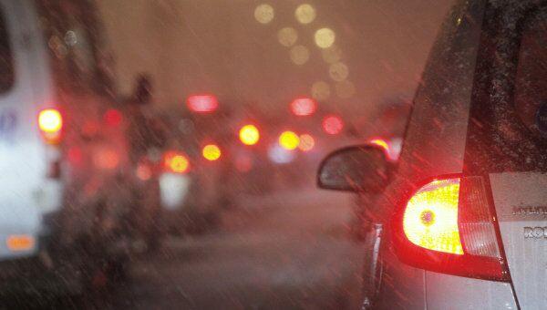 Семь машин столкнулись на Ленинском проспекте, движение затруднено