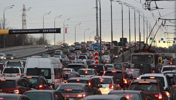 Автомобильные пробки на Ленинградском шоссе. Архив
