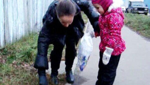 Детям - конфеты, бездомным собакам - мясо: День доброты в Королеве