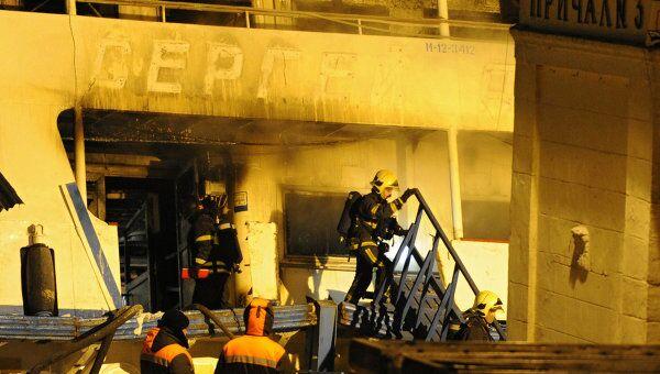 Пожар на теплоходе Сергей Абрамов в Москве локализован