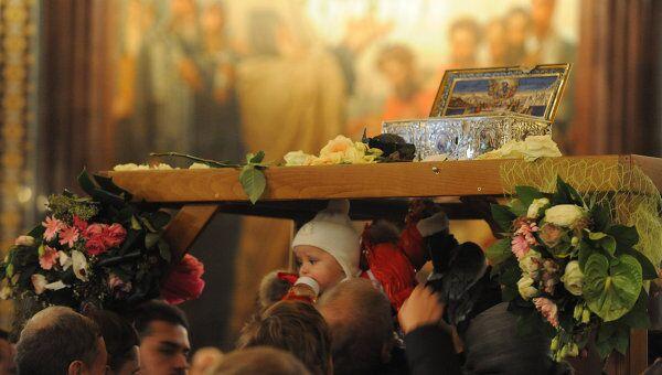 Ковчег с Поясом Богородицы, находящийся в храме Христа Спасителя, был установлен на специальную арку
