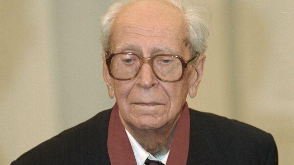Академик Дмитрий Лихачев. Архивное фото