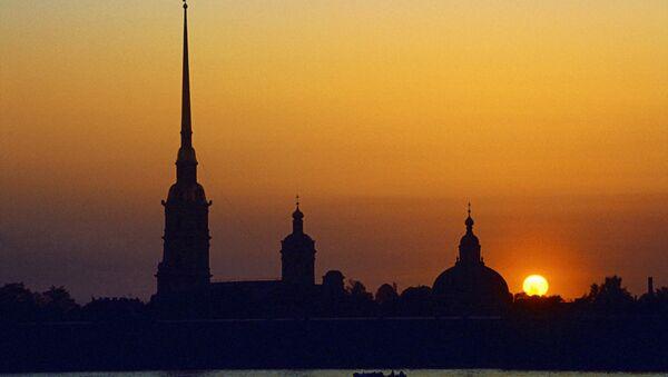 Петропавловский собор в Санкт-Петербурге вечером