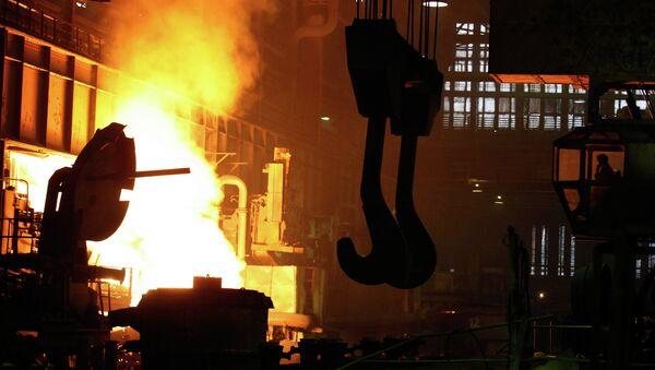 Литейный цех металлургического завода. Архивное фото