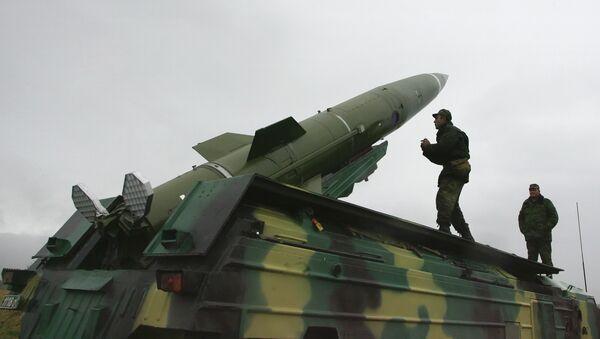 Пуск тактической ракеты, архивное фото