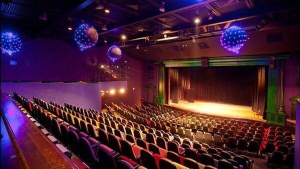 Зрительный зал театра Лицедеи в Петербурге. Архивное фото
