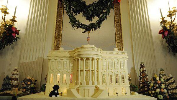 Копия Белого дома из шоколада, сделанная к праздникам