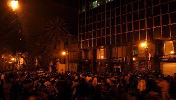 В центре Каира возобновились столкновения между демонстрантами и военными