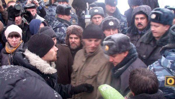 Полиция задержала участников несанкционированной акции в Петербурге