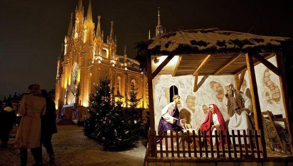 Рождественская месса в соборе Непорочного зачатия пресвятой девы Марии в Москве. Архив