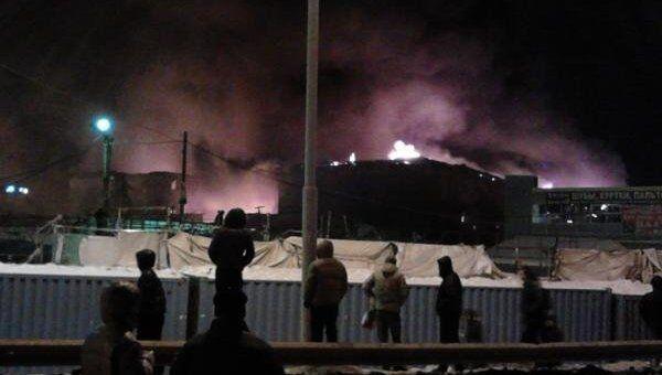 Склады с одеждой горят в Екатеринбурге
