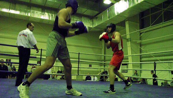 Татарские боксеры борются за Приз Деда Мороза в Елабуге