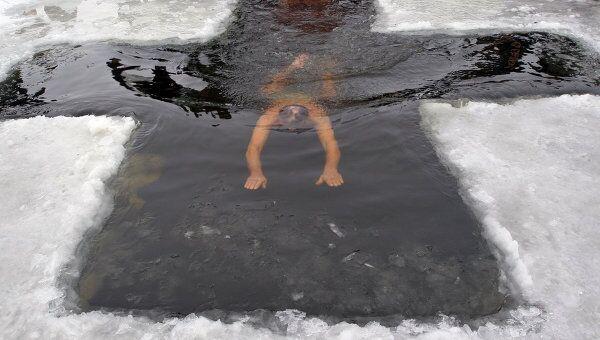 Рекорд массового крещенского купания установлен в подмосковной Рузе