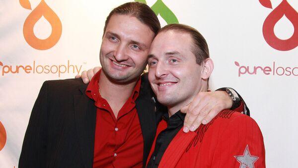 Эдгар и Аскольд Запашные (слева направо), архивное фото