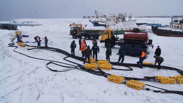 работы по откачке нефтперодуктов с танкера Каракумнефть