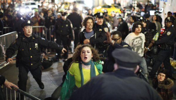 Полиция Нью-Йорка разогнала юбилейный митинг протестного движения Захвати Уолл-стрит