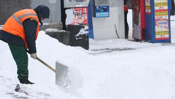 Последствия снегопада в Москве. Архив