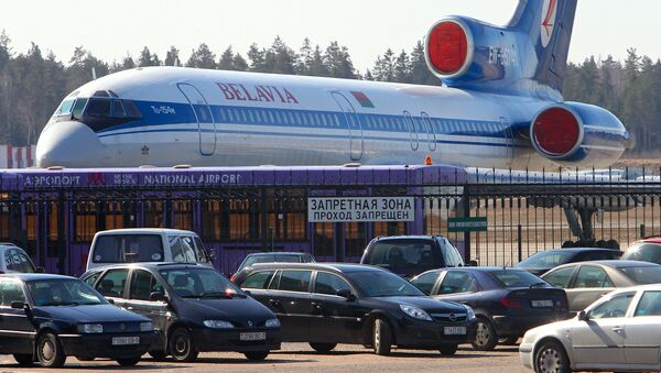 Самолет авиакомпании Белавиа в национальном аэропорту Минск. Архивное фото