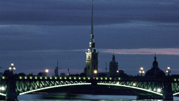 Петропавловская крепость и Дворцовый мост. Архивное фото
