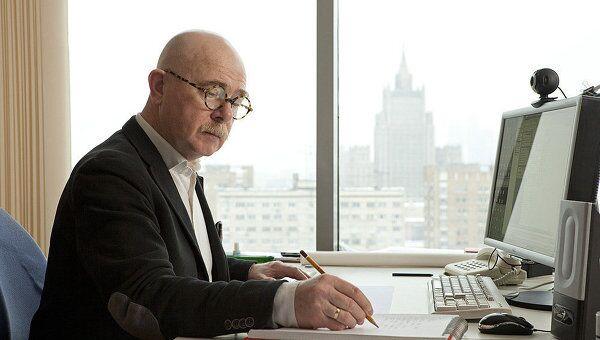 Создатель и ректор архитектурной школы МАРШ (March) Евгений Асс