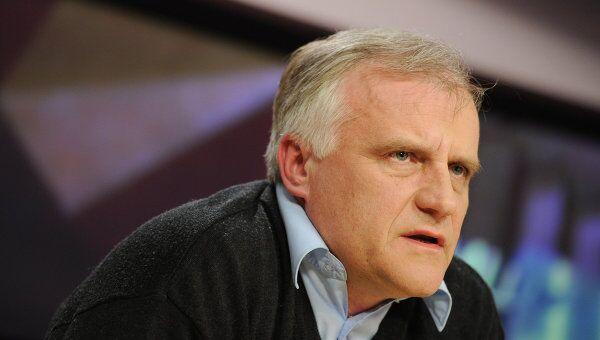 Директор информационного бюро НАТО в Москве Роберт Пшель