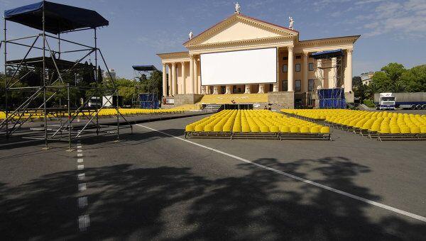 Подготовка к открытию фестиваля Кинотавр в Сочи