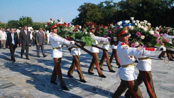 Куба отметила победу над фашизмом возложением венков к Мемориалу воину-интернационалисту