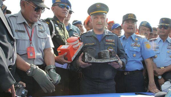 Самописцы с лайнера Sukhoi SuperJet-100 доставлены в Джакарту