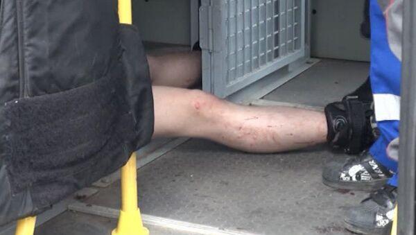 Молодой человек попытался вскрыть вены на Кудринской площади в Москве