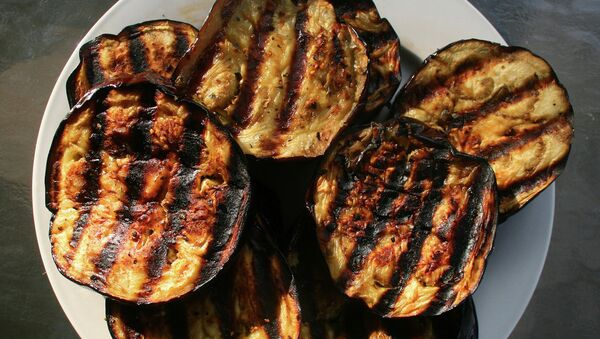 Запеченные баклажаны — отличный повод приготовить арабский бабагануш