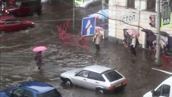 Последствия сильного ливня в Ярославле