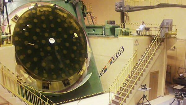 Зеркало для крупнейшего в России телескопа полируют на гигантском станке