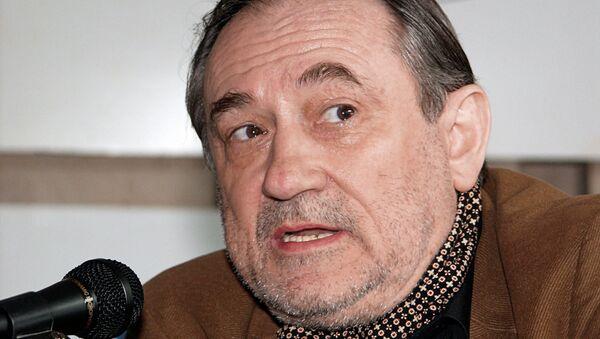 Актёр Богдан Ступка во время пресс-конференции в Москве