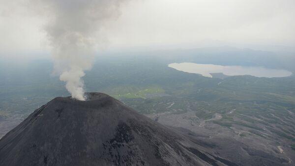 Вулкан Карымский на Камчатке