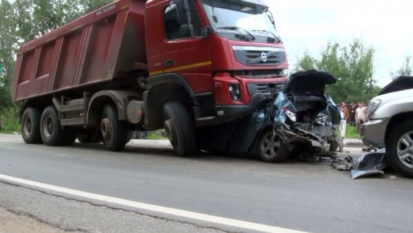 Съемки очевидца с места столкновения восьми автомобилей на Пятницком шоссе