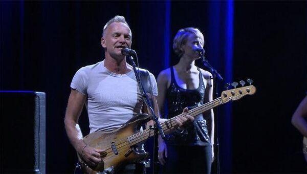 Стинг играл на полувековой гитаре на концерте в Москве