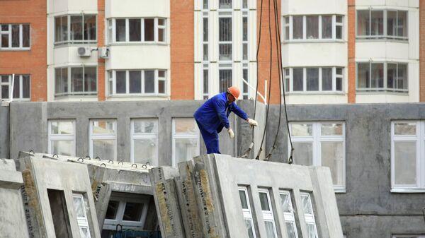 Строительство домов в Москве. Архивное фото