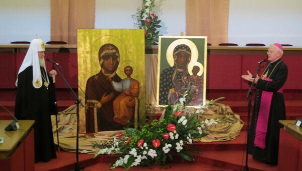 Патриарх Кирилл и глава польских католиков обменялись иконами