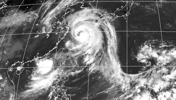 Тайфун, снимок из космоса