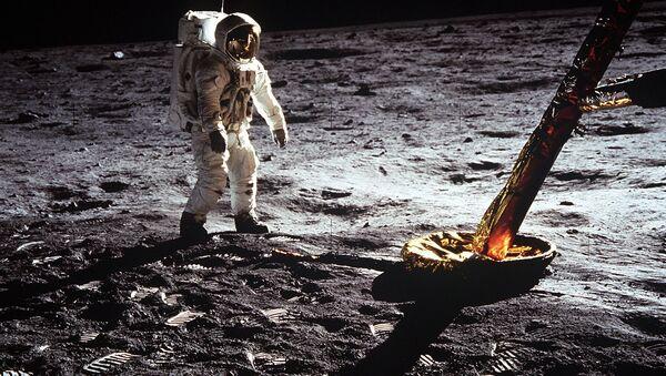 Астронавт Эдвин Олдрин на Луне. Архивное фото