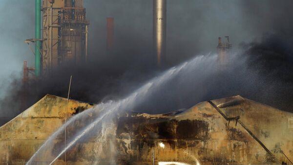 Тушение пожара на НПЗ Amuay в Венесуэле